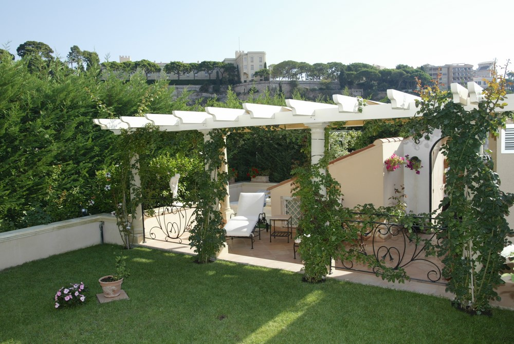 Tonnelles pergolas lin a design decolin a design deco for Pergola bois sur mesure