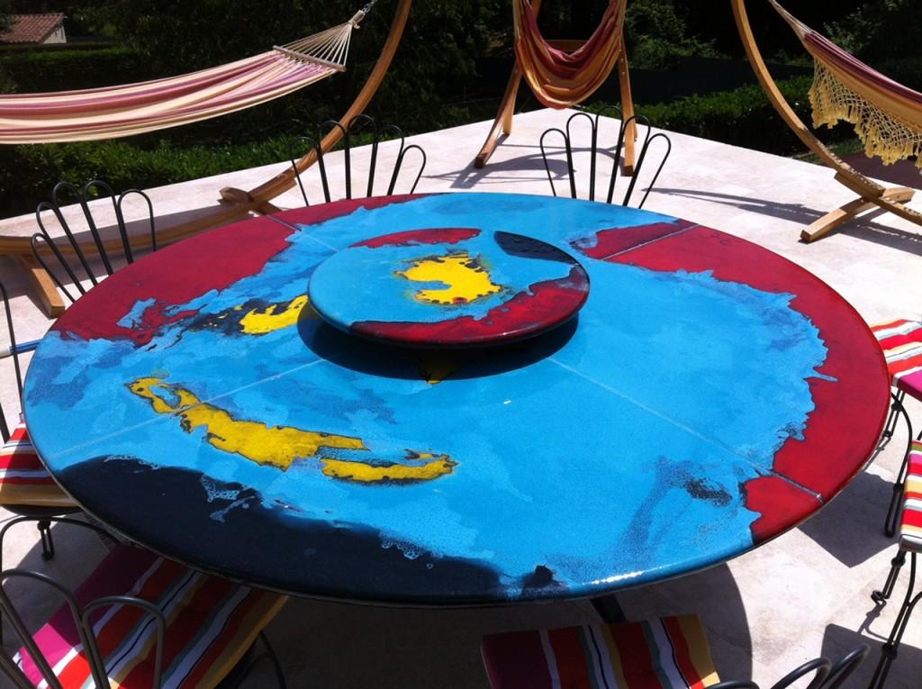 Tables lin a design decolin a design deco - Table en pierre de lave ...