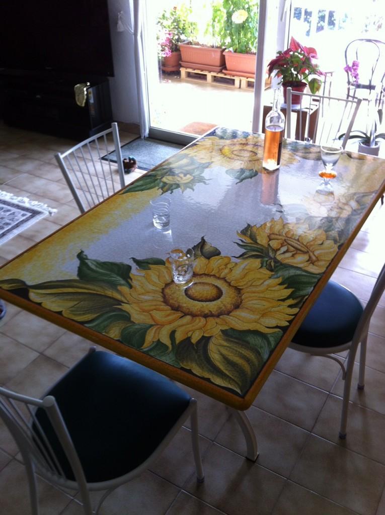 Table En Pierre De Lave