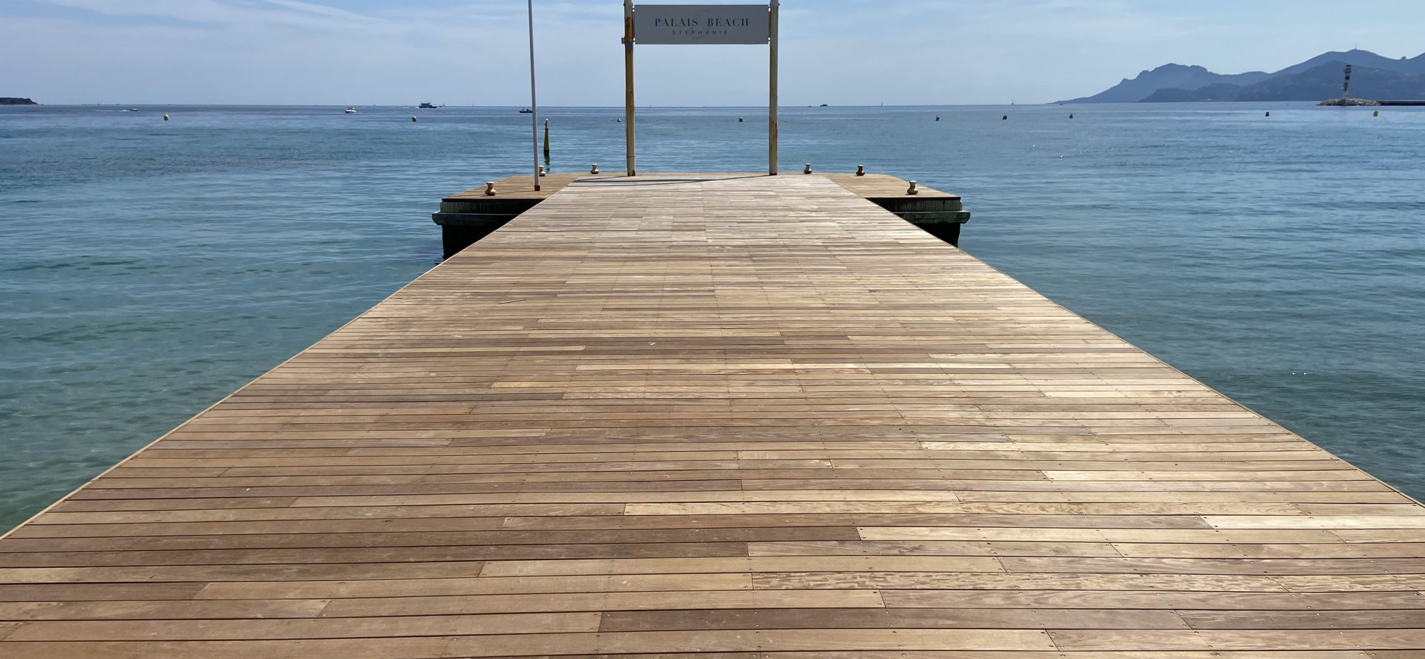 Réalisation du ponton en ipé de la plage du Palais Stéphanie, Marriott, Cannes, Alpes Maritimes, 06