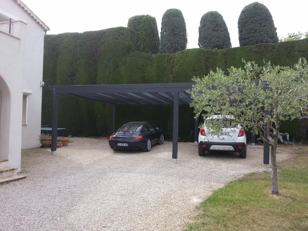 abris voiture contemporain en bois pour 3 voitures avec couverture polycarbonate translucide. Black Bedroom Furniture Sets. Home Design Ideas